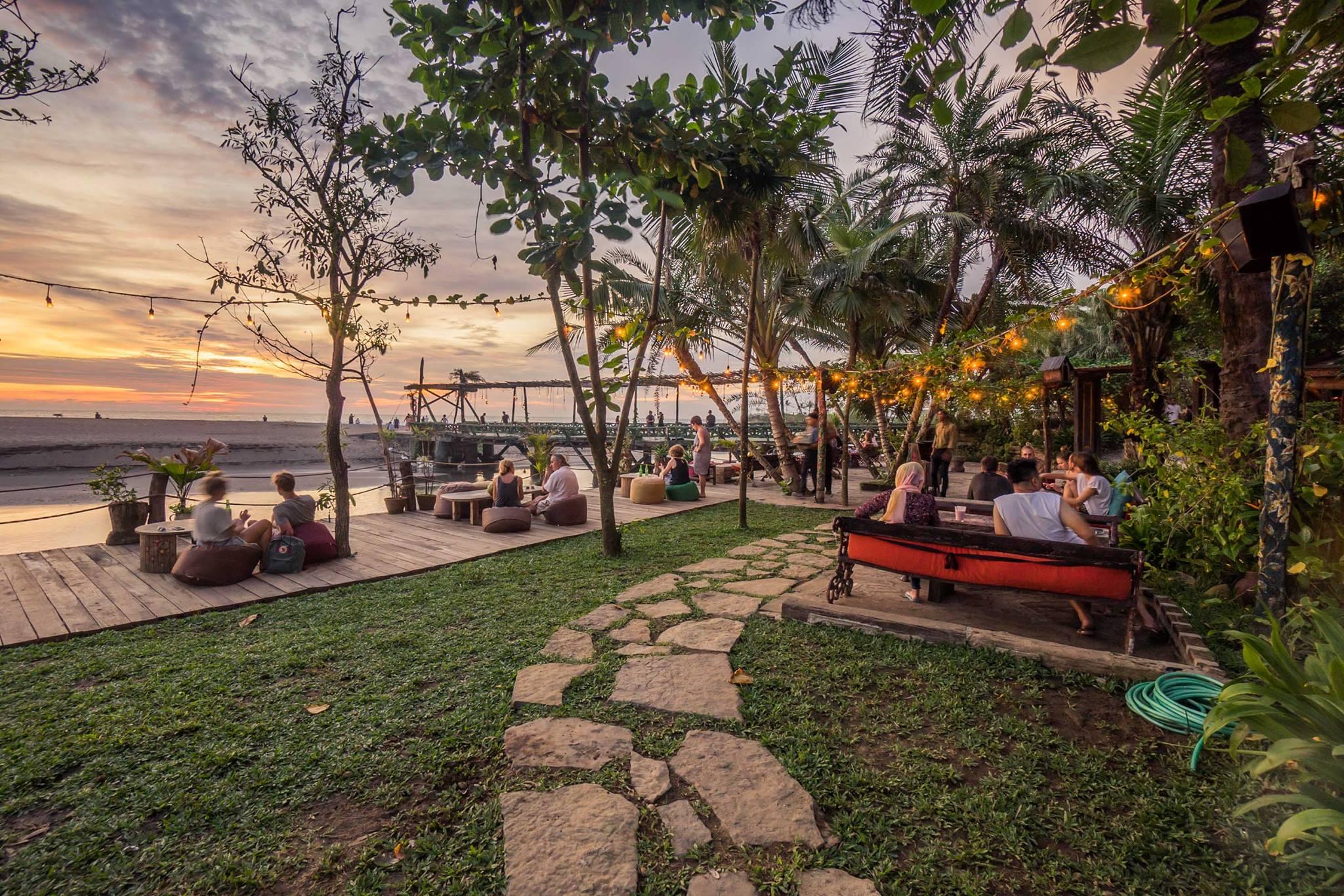 most exquisite beachfront restaurants in Bali